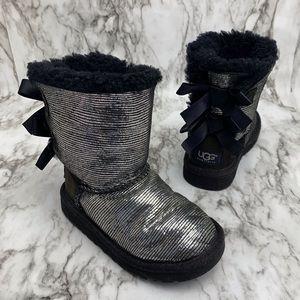 Ugg Bailey bow lizard silver & black boots 10